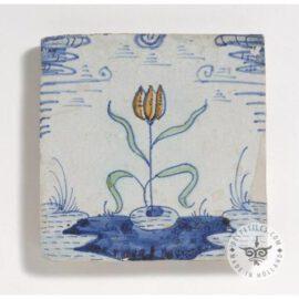 17th Century Antique Flower Tile #B17